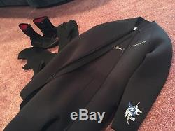 Agua Lung Neoprene 7mm Two-Piece Scuba Wetsuit Size Large with boots, hood, gloves