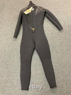 Akona Quantum Stretch Wetsuit, Men's 7mm Sz Medium Large, New