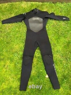 Excel winter wetsuit Large 5.4mm OUTSTANDING CONDITION a must read description