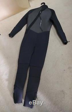 Scubapro wetsuit 7mm For scuba diving Size Mt/Large