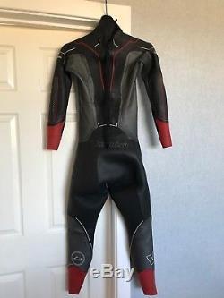 Zone 3 Mens Vanquish Wet-suit Medium to Large